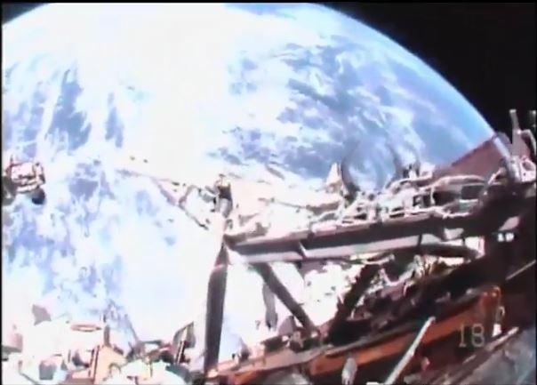 13/01 Mission Proxima - sortie extra-véhiculaire de Thomas Pesquest
