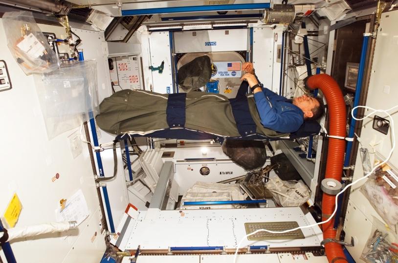 Dormir dans la Station spatiale internationale