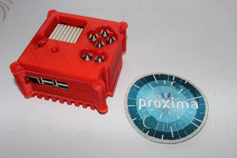 Mini ordinateur Astro Pi et son flight case