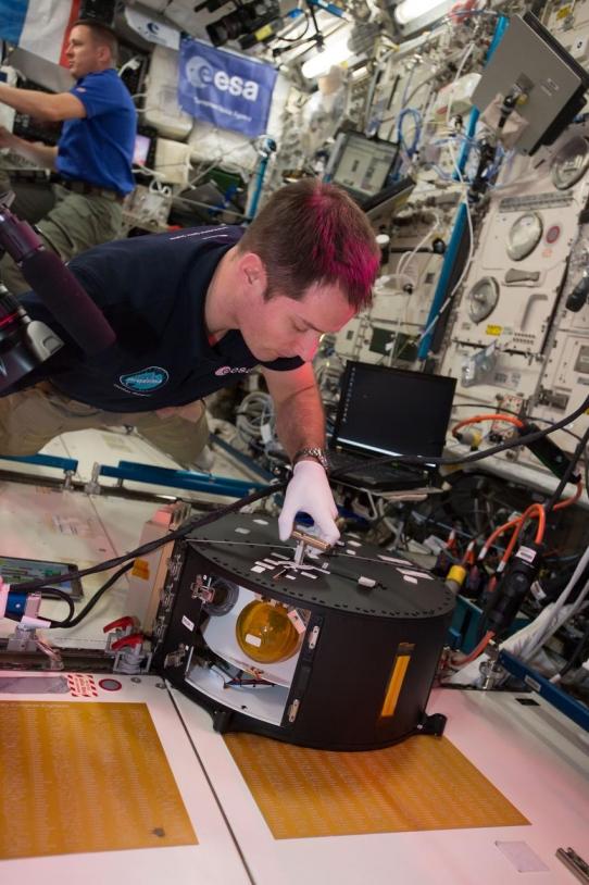 Expériences dans l'ISS