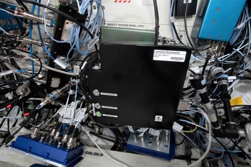 Dosimètre de l'expérience Lumina installé dans le laboratoire Columbus de l'ISS
